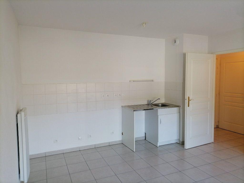 Appartement à louer 1 31.87m2 à Gex vignette-1