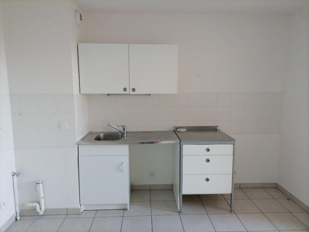 Appartement à louer 2 32.59m2 à Gex vignette-2