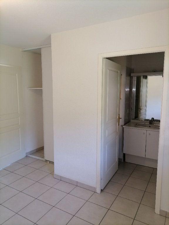 Appartement à louer 2 32.59m2 à Gex vignette-3