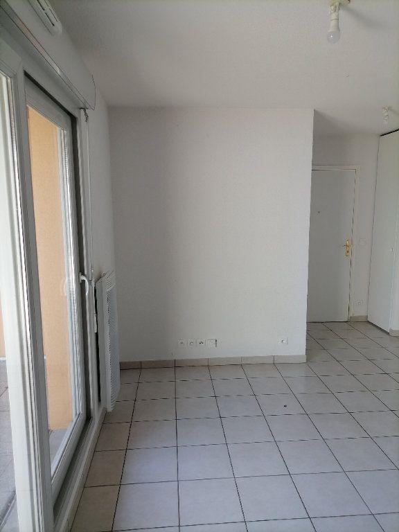 Appartement à louer 2 32.59m2 à Gex vignette-10