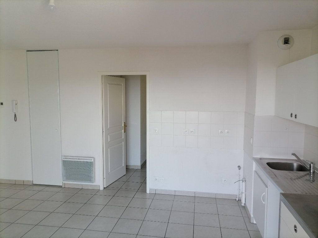 Appartement à louer 2 32.59m2 à Gex vignette-11