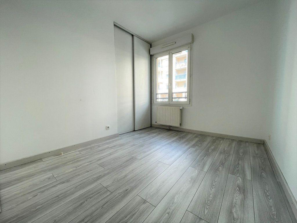 Appartement à louer 3 60.61m2 à Saint-Julien-en-Genevois vignette-6