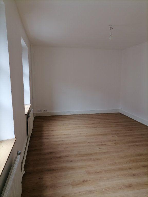 Appartement à louer 3 79.64m2 à Gex vignette-3