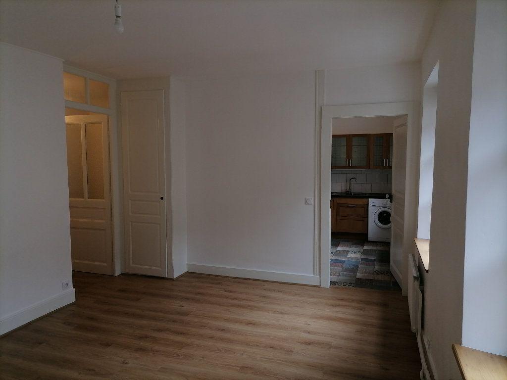 Appartement à louer 3 79.64m2 à Gex vignette-4