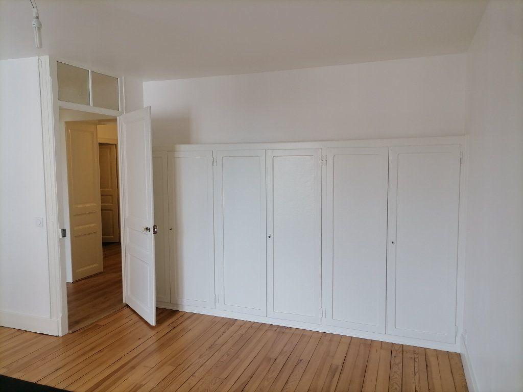 Appartement à louer 3 79.64m2 à Gex vignette-9