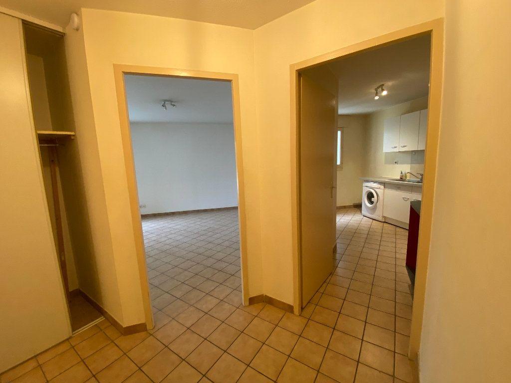 Appartement à louer 2 51.2m2 à Annemasse vignette-6