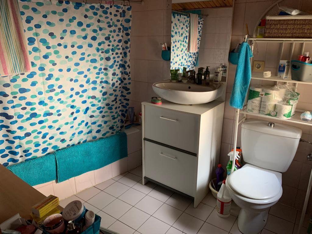 Appartement à louer 3 65.53m2 à Sergy vignette-11