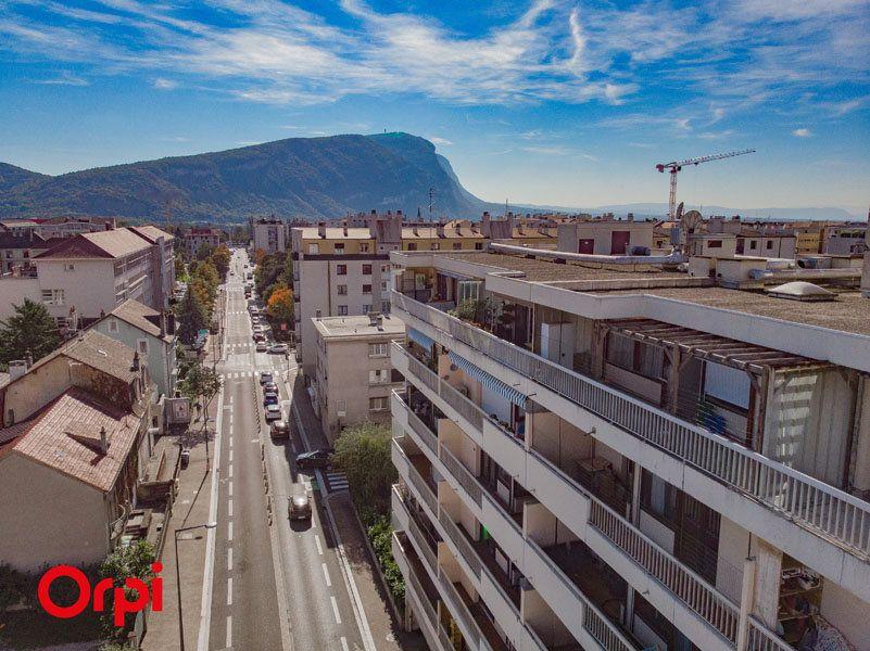 Appartement à vendre 6 172.83m2 à Annemasse vignette-4