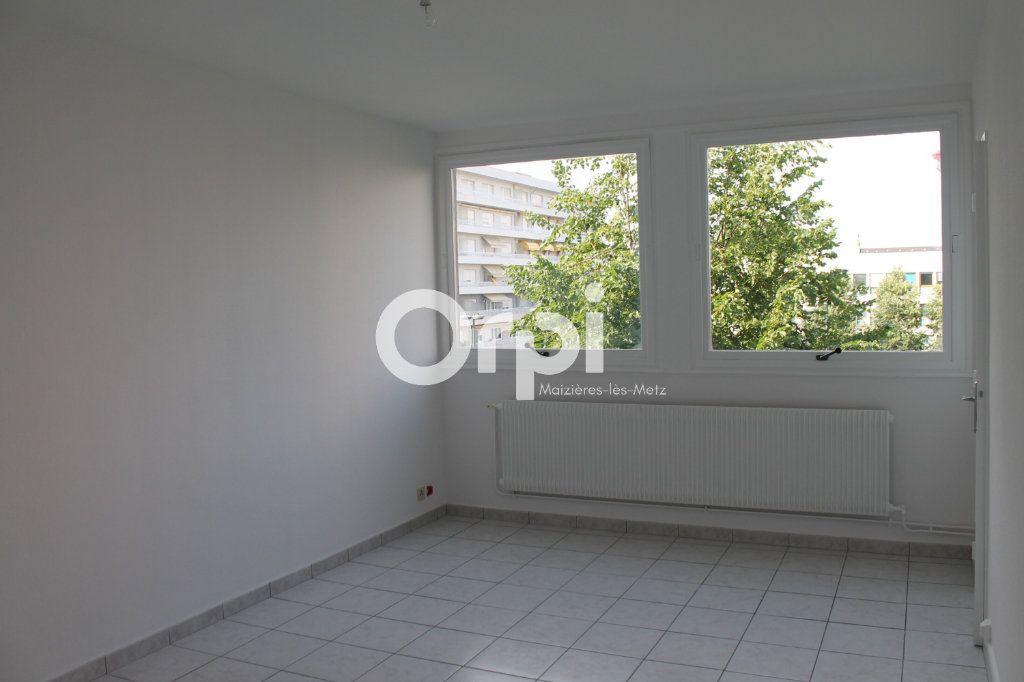 Appartement à louer 1 26m2 à Thionville vignette-1