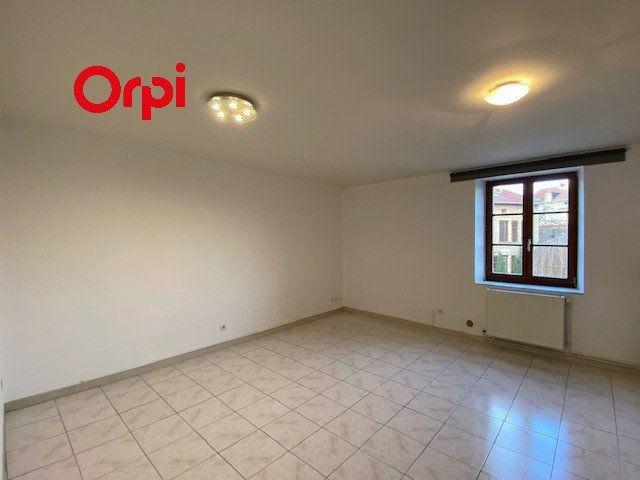 Appartement à louer 3 39m2 à Vitry-sur-Orne vignette-1