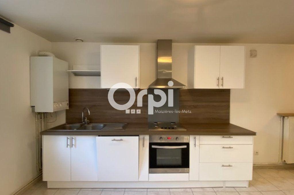 Appartement à louer 2 39m2 à Vitry-sur-Orne vignette-1