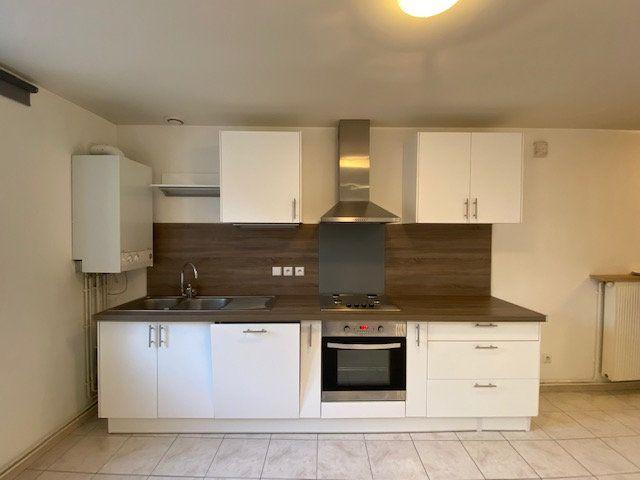 Appartement à louer 3 39m2 à Vitry-sur-Orne vignette-2