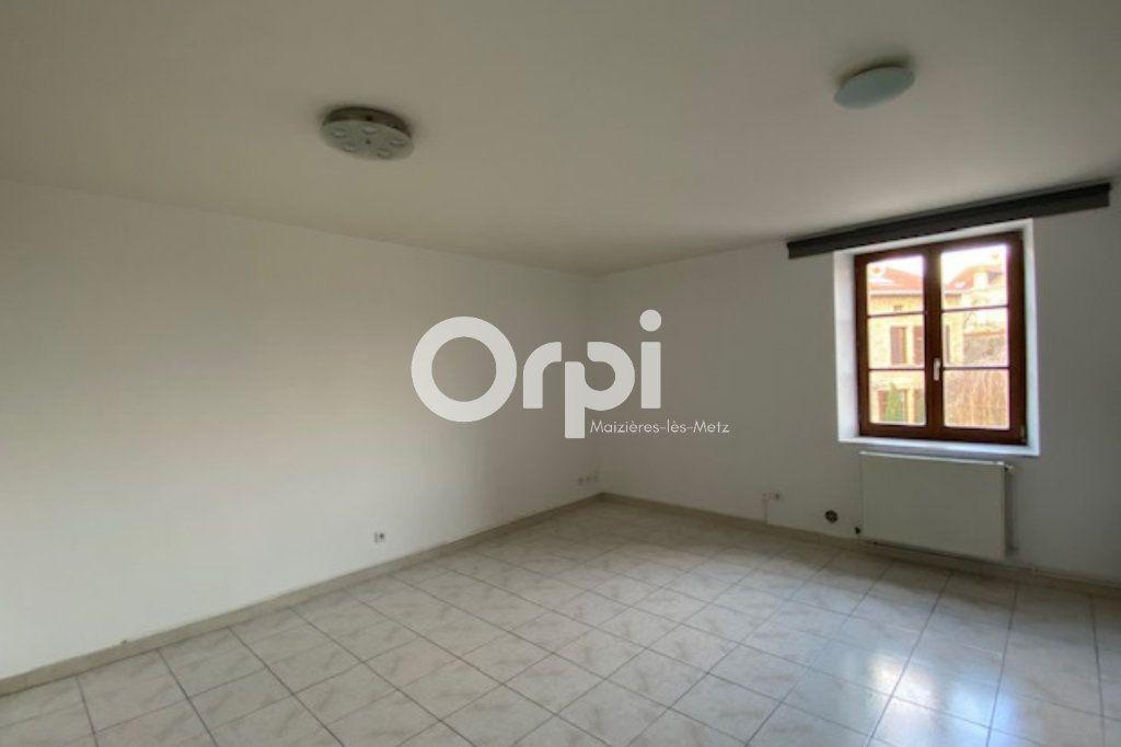 Appartement à louer 2 39m2 à Vitry-sur-Orne vignette-2