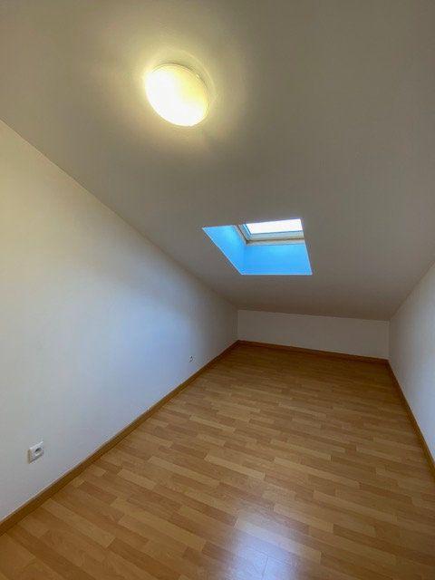 Appartement à louer 3 39m2 à Vitry-sur-Orne vignette-4