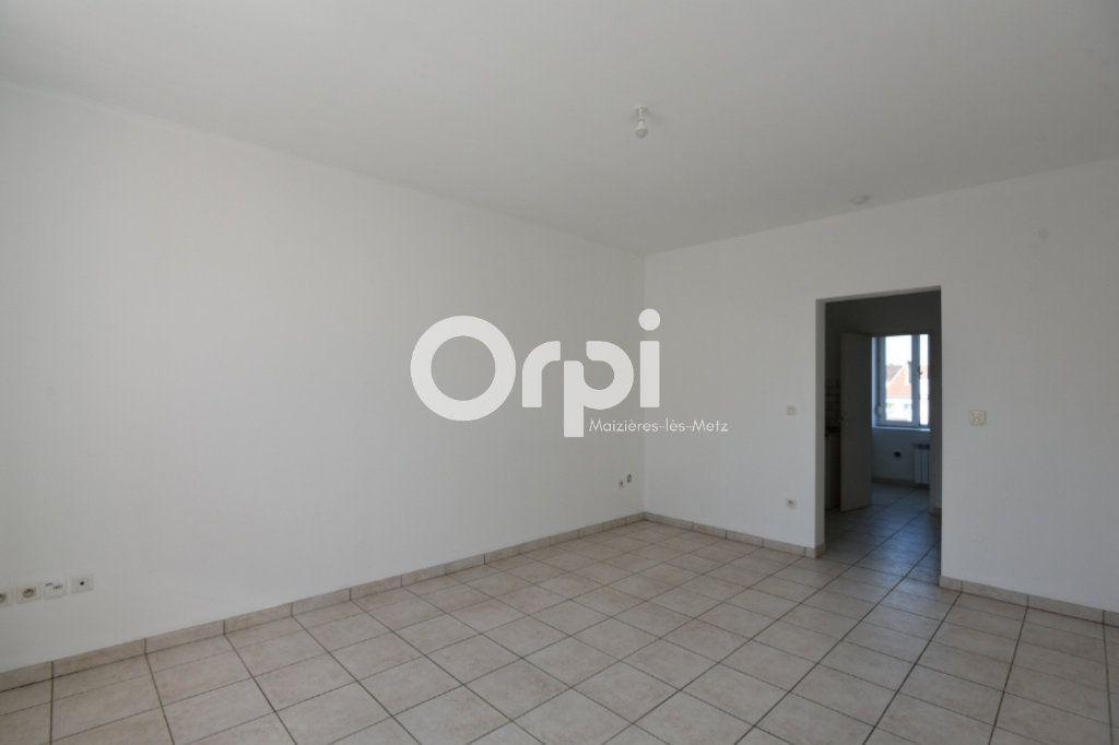 Appartement à louer 1 30m2 à Mondelange vignette-2