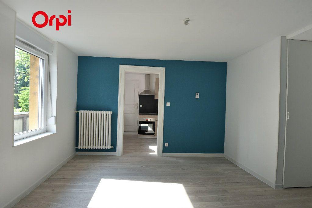 Appartement à louer 2 40m2 à Talange vignette-1