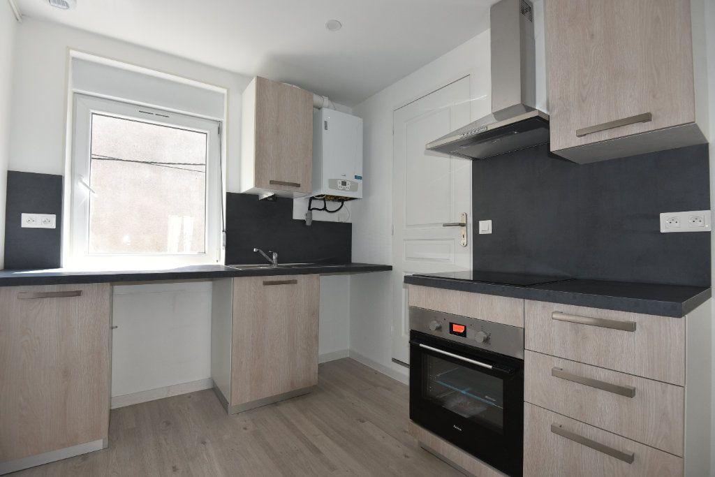 Appartement à louer 2 40m2 à Talange vignette-4