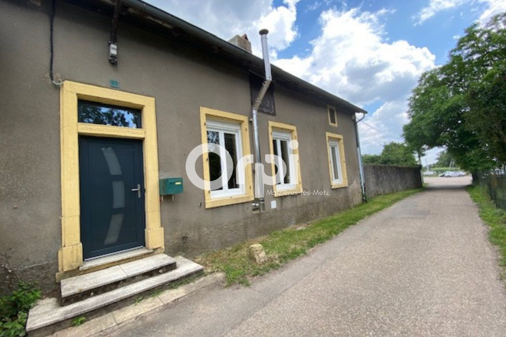 Maison à louer 4 136.02m2 à Guénange vignette-2