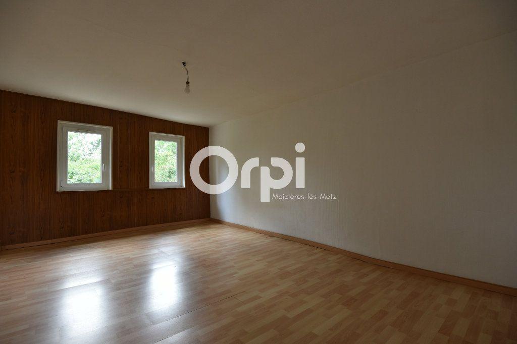 Maison à louer 4 136.02m2 à Guénange vignette-5