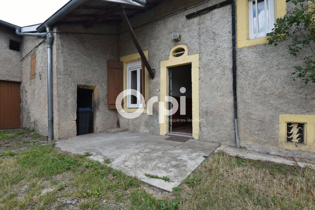 Maison à louer 4 136.02m2 à Guénange vignette-6