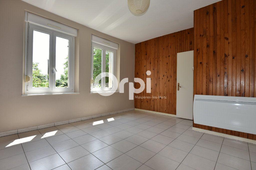 Maison à louer 4 136.02m2 à Guénange vignette-7