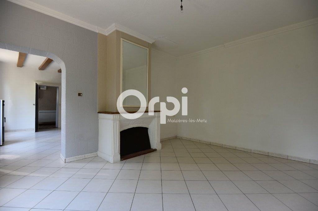 Maison à louer 4 136.02m2 à Guénange vignette-8