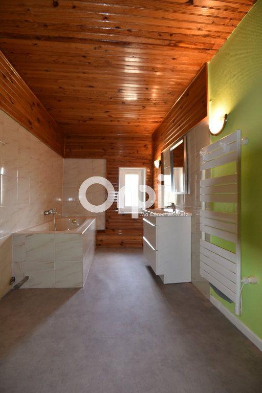 Maison à louer 4 136.02m2 à Guénange vignette-11