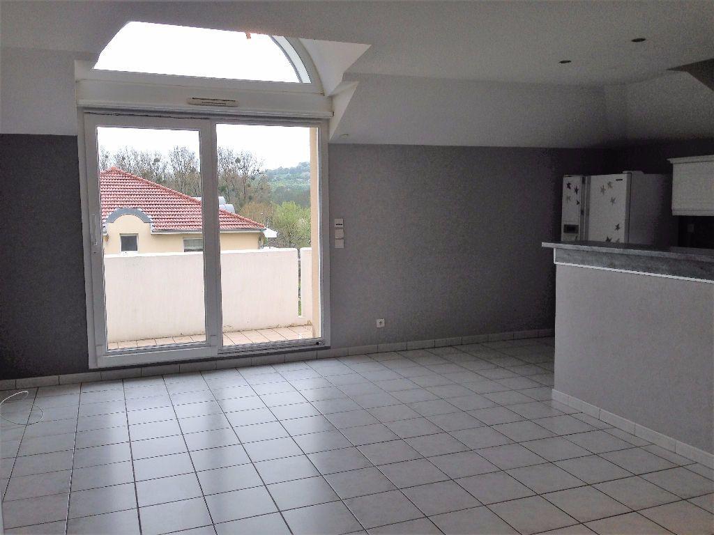 Appartement à louer 3 65.74m2 à Marange-Silvange vignette-2