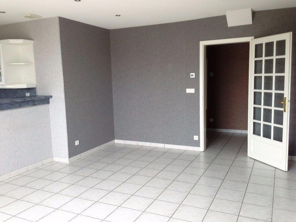 Appartement à louer 3 65.74m2 à Marange-Silvange vignette-3