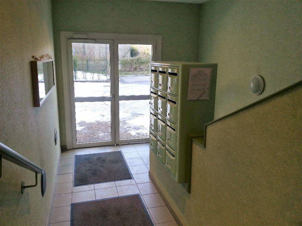 Appartement à louer 3 65.74m2 à Marange-Silvange vignette-11