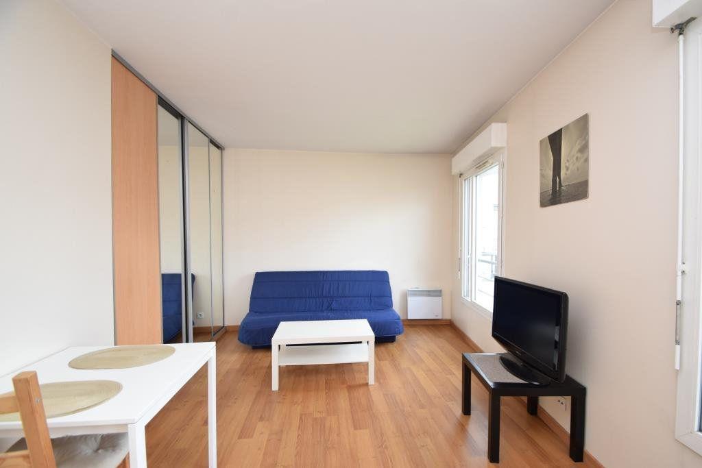 Appartement à louer 1 26.76m2 à Paris 19 vignette-1