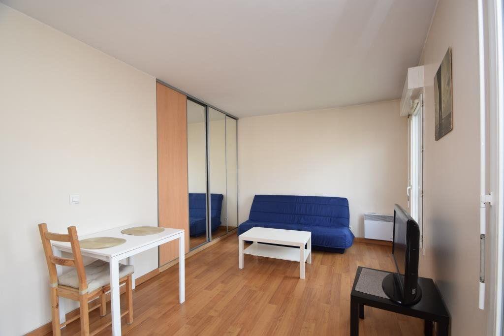 Appartement à louer 1 26.76m2 à Paris 19 vignette-3