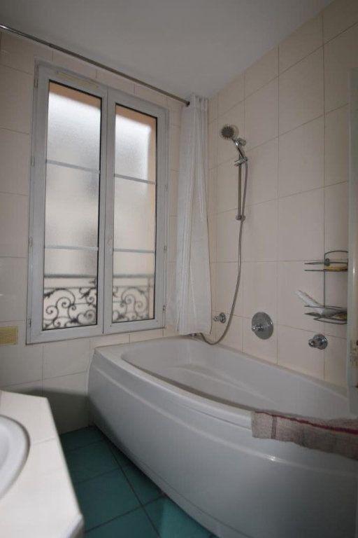 Appartement à louer 2 49m2 à Paris 11 vignette-15
