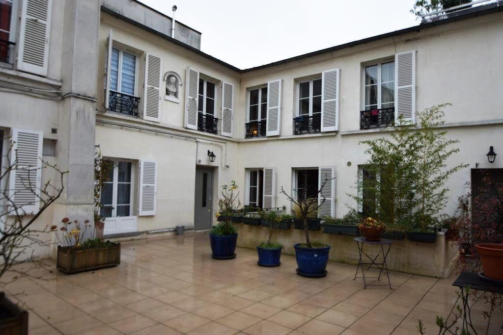 Appartement à louer 2 49m2 à Paris 11 vignette-18