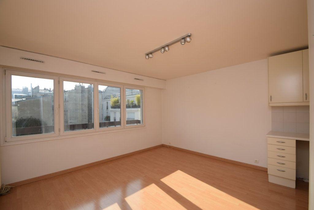 Appartement à louer 2 42.03m2 à Paris 11 vignette-2