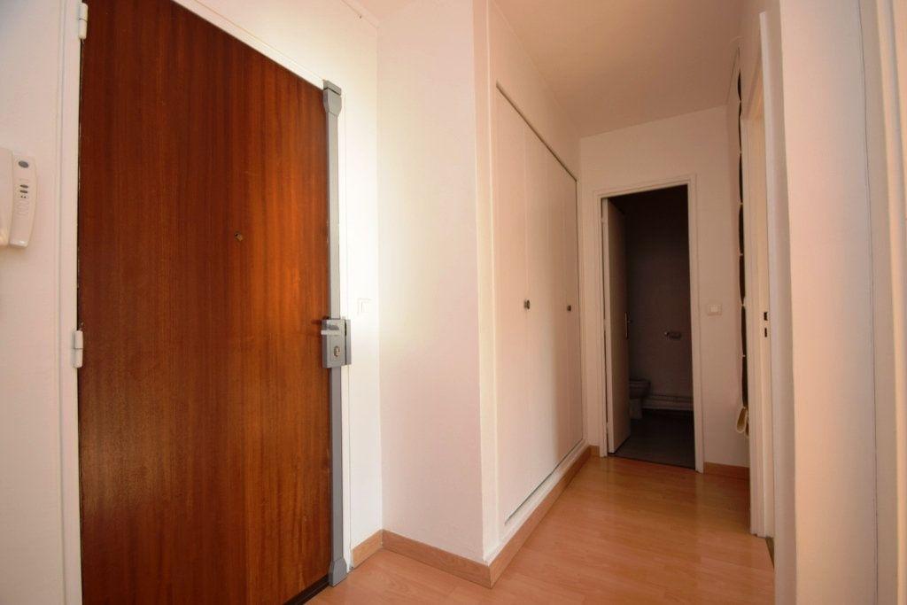 Appartement à louer 2 42.03m2 à Paris 11 vignette-6