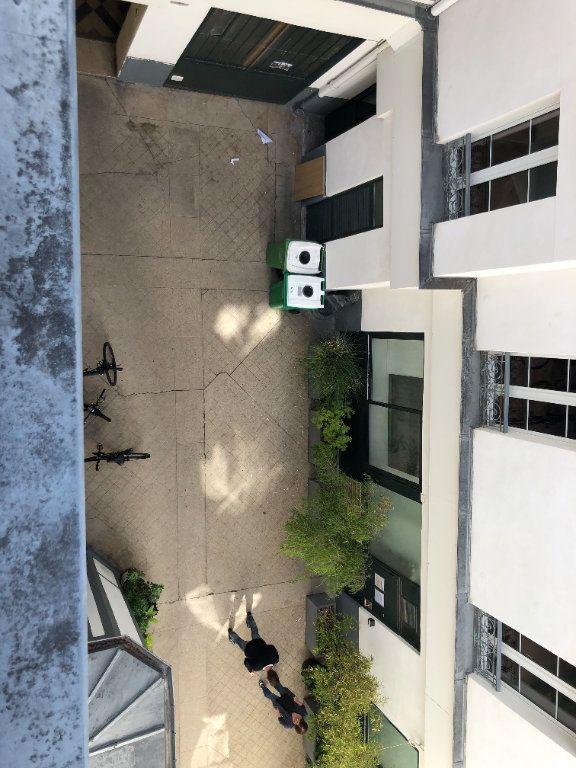 Appartement à louer 2 36.5m2 à Paris 11 vignette-4