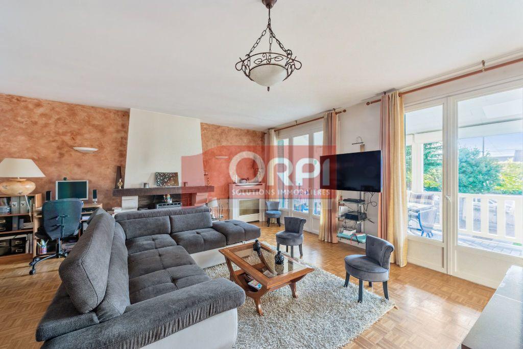 Maison à vendre 9 235m2 à Champs-sur-Marne vignette-1