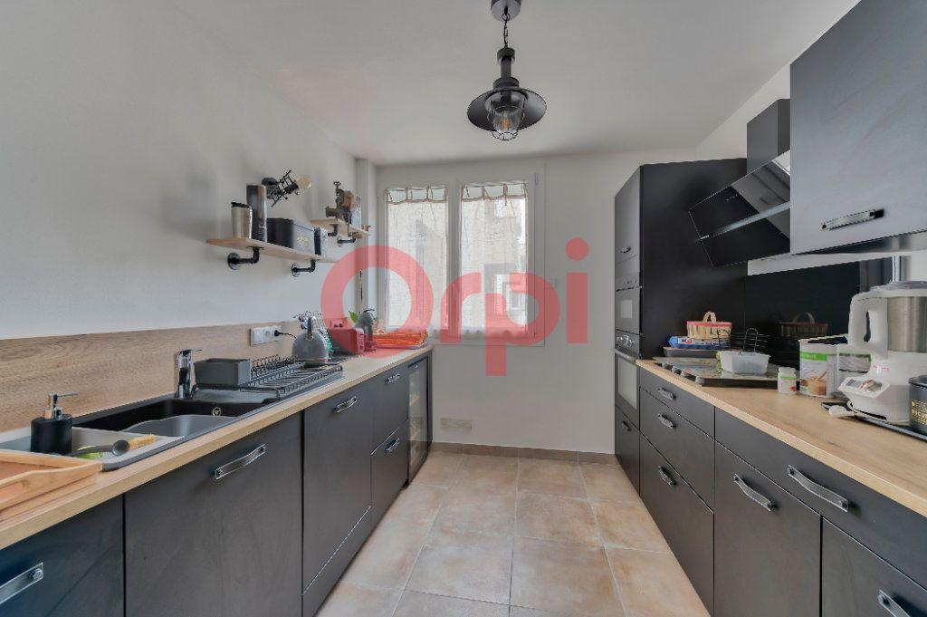 Appartement à vendre 4 74m2 à Noisy-le-Grand vignette-3