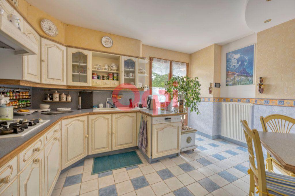 Maison à vendre 9 240m2 à Serris vignette-5