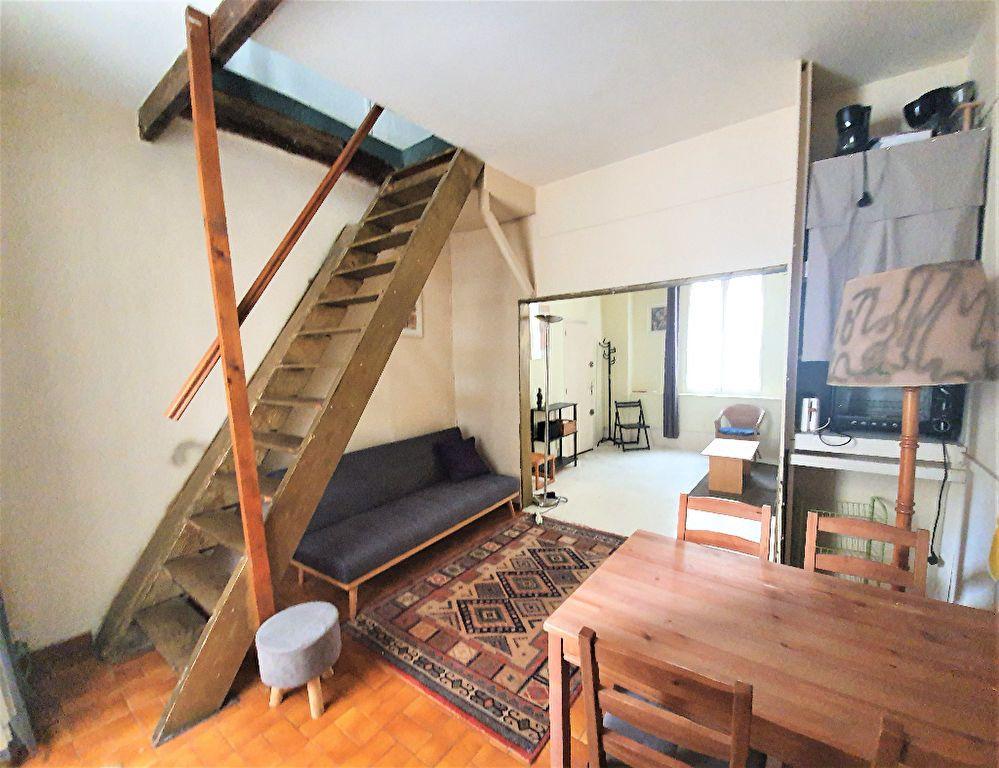 Appartement à vendre 3 48.7m2 à Paris 14 vignette-1