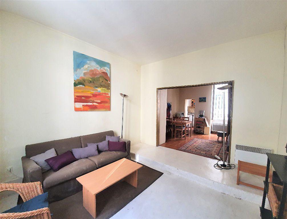Appartement à vendre 3 48.7m2 à Paris 14 vignette-4