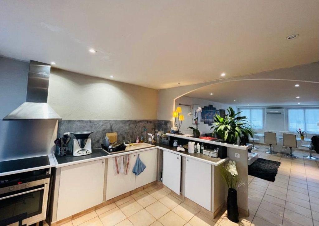 Appartement à vendre 3 88.43m2 à Saint-Laurent-du-Var vignette-2