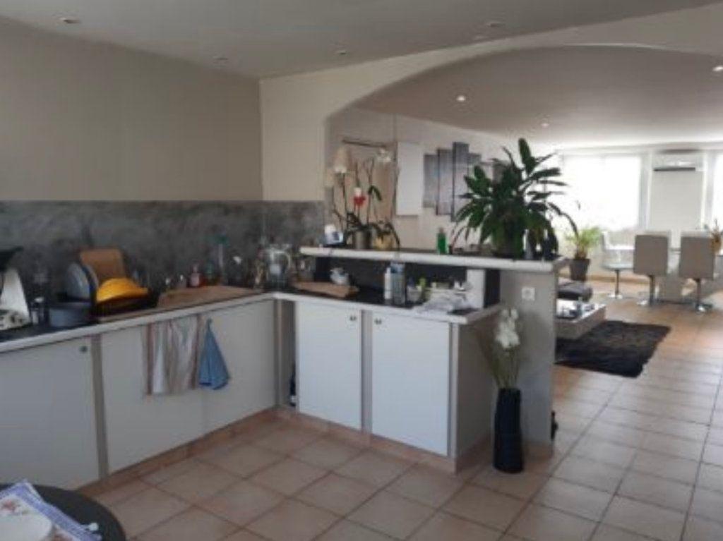 Appartement à vendre 3 88.43m2 à Saint-Laurent-du-Var vignette-4