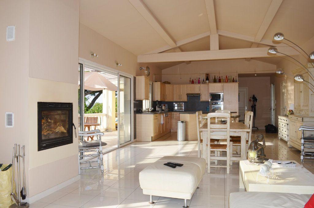 Maison à vendre 4 108.02m2 à La Colle-sur-Loup vignette-2