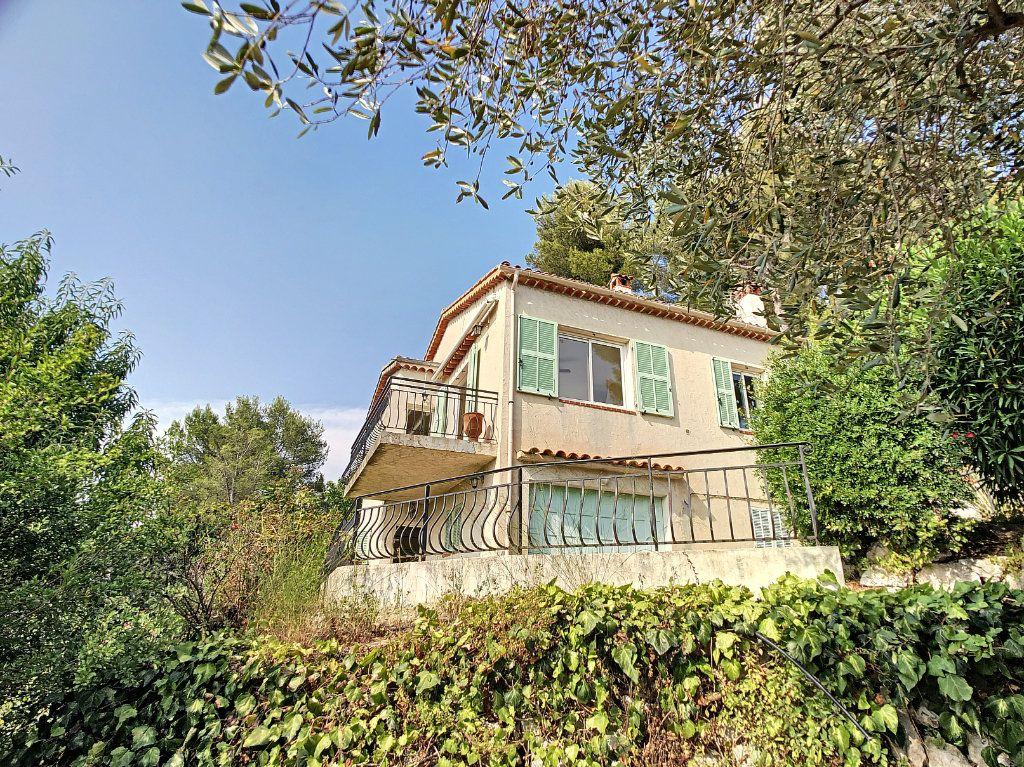 Maison à vendre 5 115m2 à Saint-Paul-de-Vence vignette-2