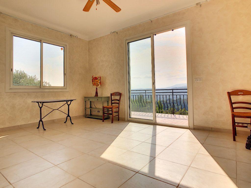 Maison à vendre 5 115m2 à Saint-Paul-de-Vence vignette-9