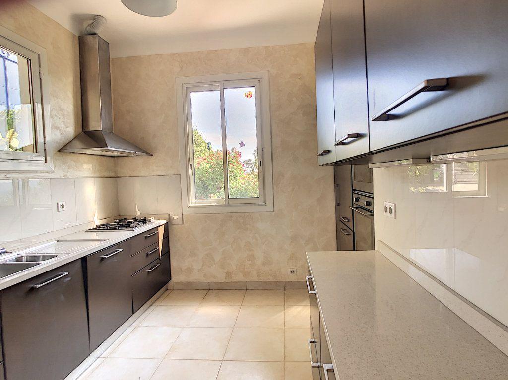 Maison à vendre 5 115m2 à Saint-Paul-de-Vence vignette-11