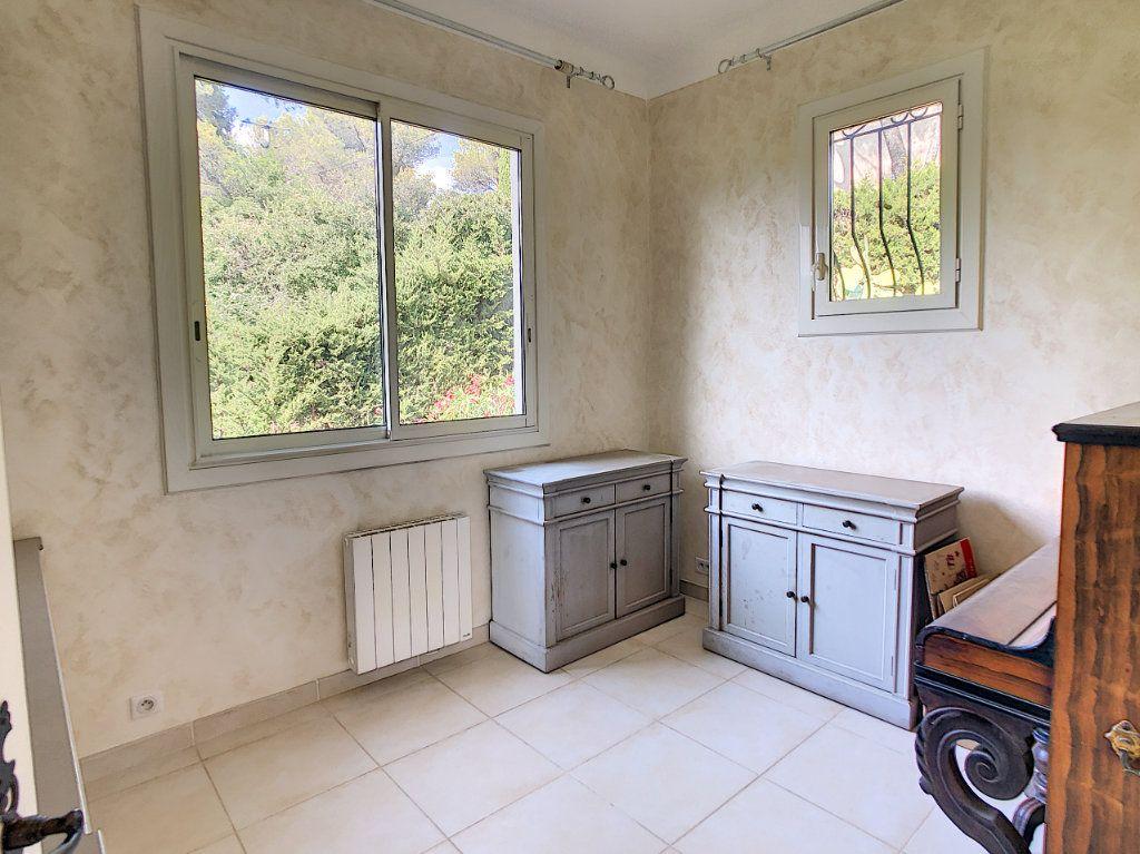Maison à vendre 5 115m2 à Saint-Paul-de-Vence vignette-12