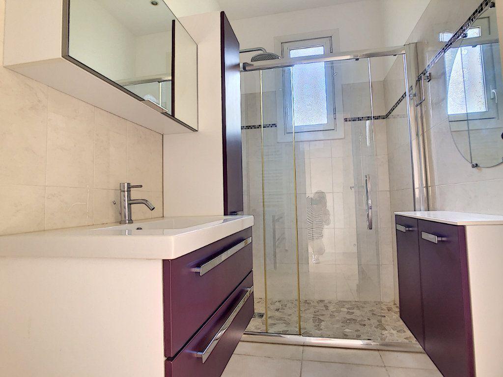 Maison à vendre 5 115m2 à Saint-Paul-de-Vence vignette-14